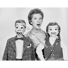 "Shari Lewis 8"" x 10"" Promo Photo #1"